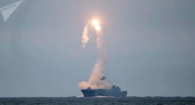 锆石导弹首次潜射试验,俄方将在年底前再试射一次