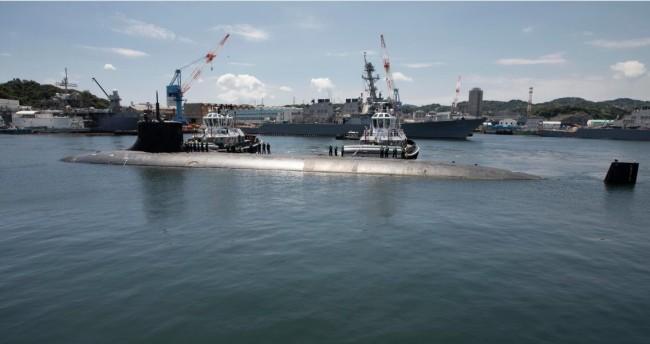 """美国""""康涅狄格""""号海狼级核潜艇"""