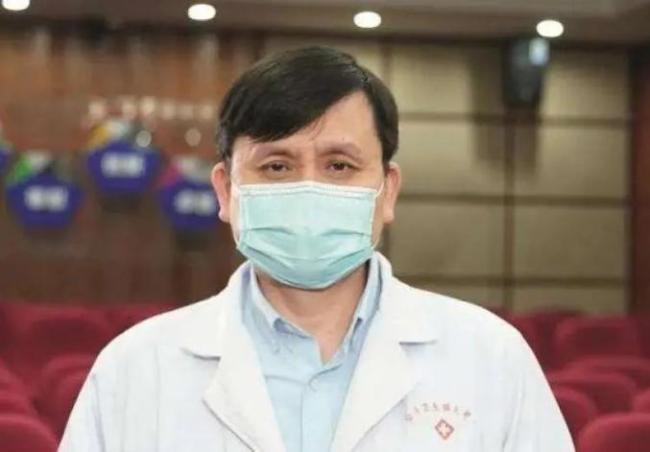 张文宏接种新冠疫苗 会长期监测,看看抗体水平怎么样