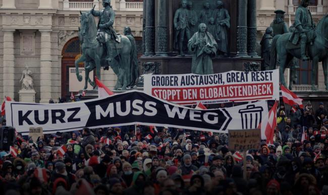 抗议游行现场(图源:路透社)
