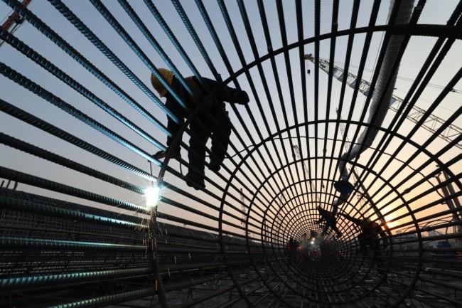 新春走基层 | 亚洲最大交通枢纽24小时不停工
