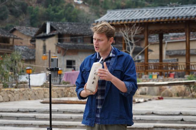 俄罗斯小伙用短视频讲中国乡村故事