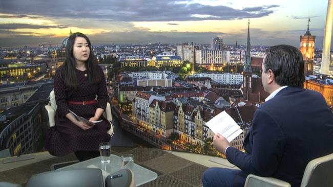 """德国柏林电视台聚焦中国 邀请总台记者录制""""两会""""特别节目"""