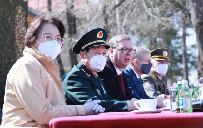 魏凤和访问塞尔维亚 凭吊烈士:绝不允许历史重演