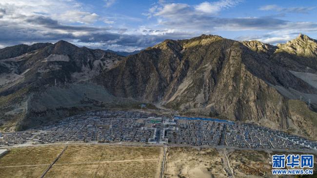 从制度的新生到发展的跨越——写在西藏百万农奴解放62周年之际