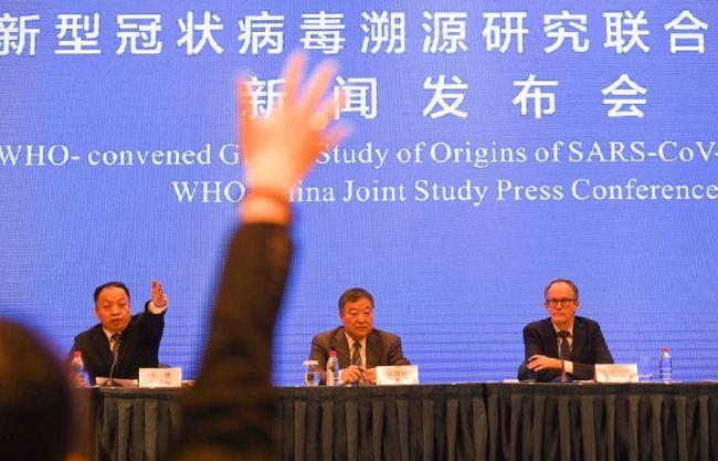 2月9日,中国-世界卫生组织新冠病毒溯源研究联合专家组在武汉举行新闻发布会 新华社记者 程敏 摄