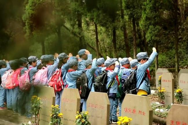 志愿者5年寻回686位烈士