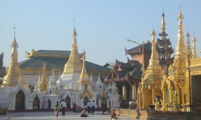 防控疫情 缅甸连续第二年取消泼水节庆祝活动