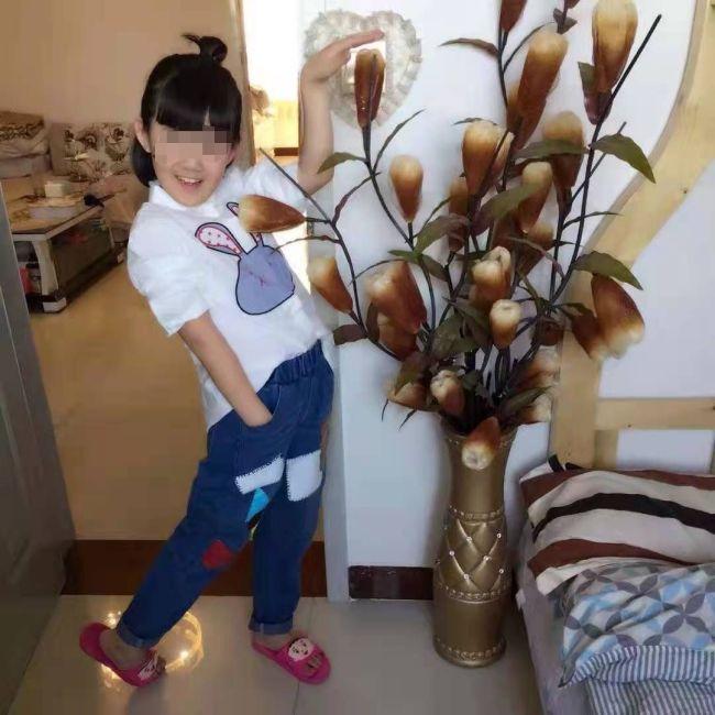 继母涉嫌将女童虐待至植物人 法医驳斥摔伤说法