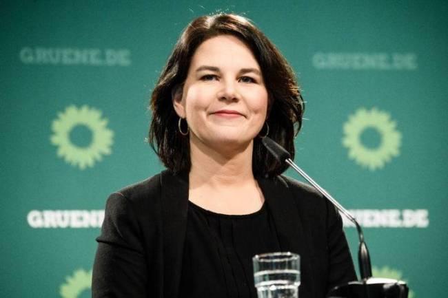 默克尔接班人?德国绿党80后女主席将角逐总理宝座