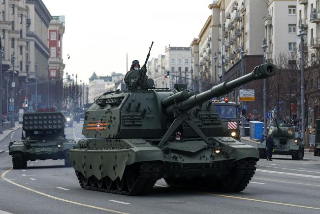 俄罗斯士兵持续在红场进行胜利日阅兵式彩排