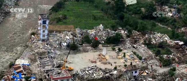 图片新闻·13年的重建新生   从废墟里站立 人们靠双手和拼搏重建起生活和未来