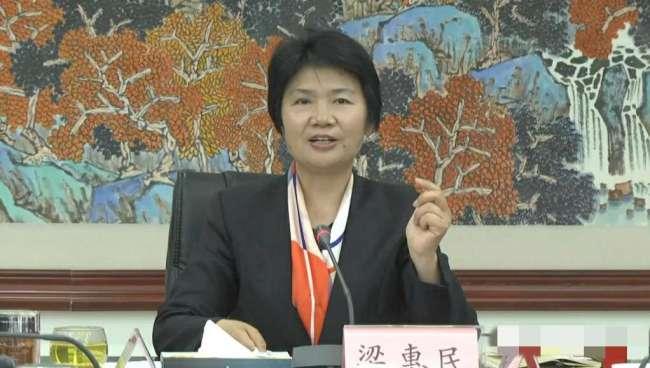 """曹县""""走红"""" 县长:确实出口的棺材占日本市场90%"""