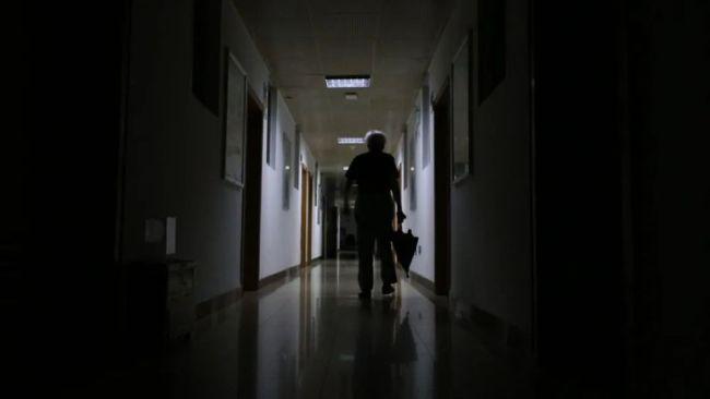 4点多起床,每天工作10小时,86岁科学家这么拼?