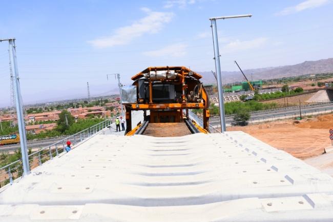 中蘭客專甘肅段正式開始鋪軌 預計年底前完成