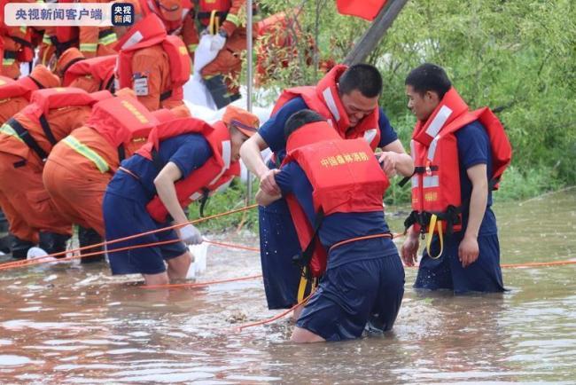 黑龙江呼玛县水位超警 多部门联动防汛