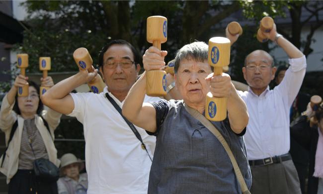 日本60岁以上老人每3人中有1人没亲密朋友