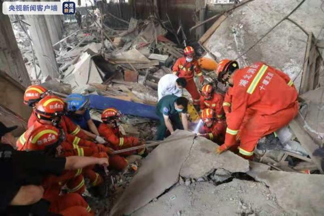 湖北十堰燃爆事故救援进行时