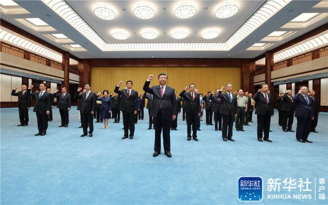 """习近平等党和国家领导人参观""""'不忘初心、牢记使命'中国共产党历史展览"""""""