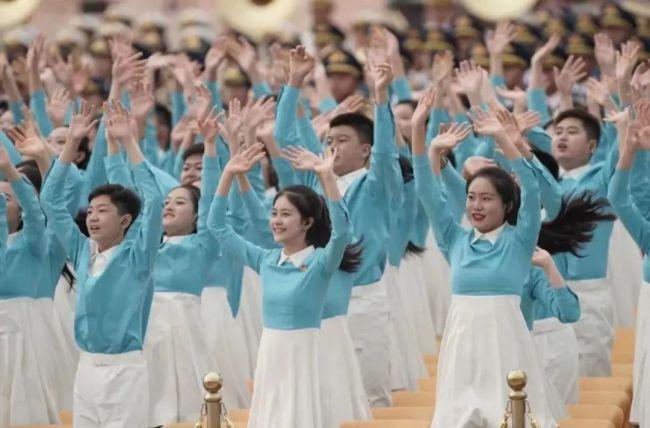 民族特色,华彩乐章!建党100周年庆祝大会活动服装是他们设计的