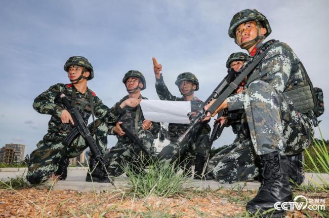 广西防城港:高温酷暑练精兵