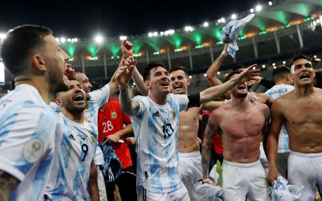梅西终于圆梦了,第10次出战世界大赛终于夺冠!