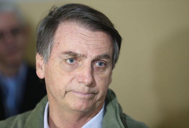 外媒:巴西总统博索纳罗因腹部疼痛入院