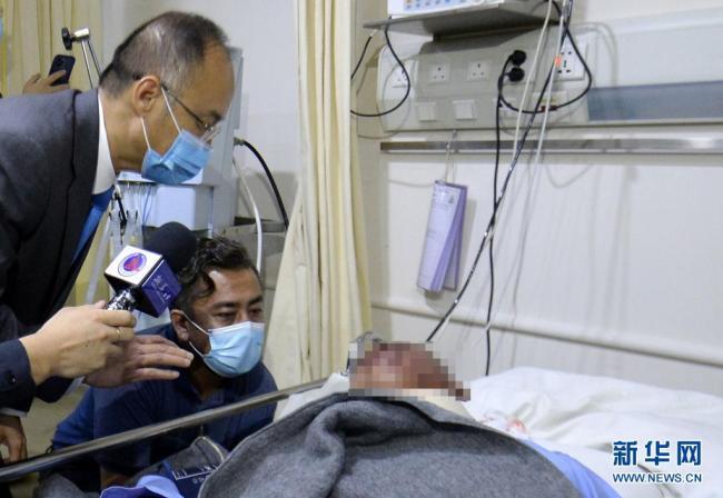 中国驻巴基斯坦大使赴医院看望部分受伤同胞