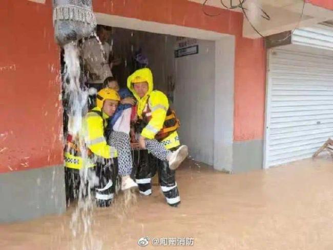 救援力量|河南現極端罕見強降雨 火焰藍緊急救援