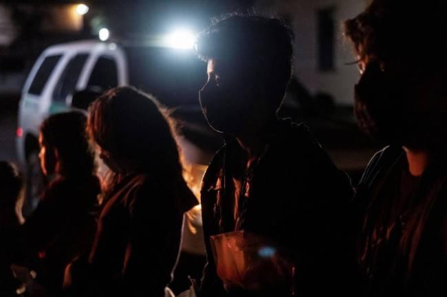 美墨边境非法移民数量刷新纪录