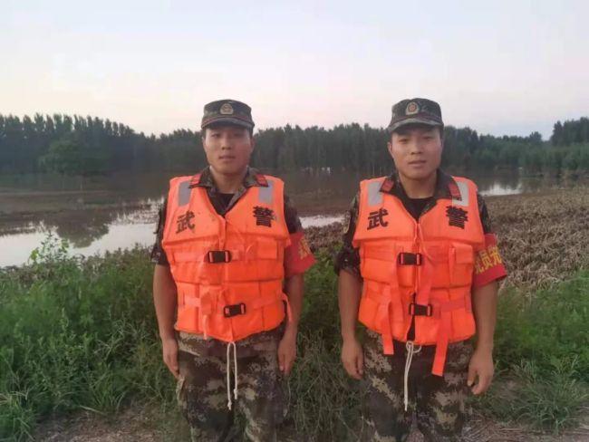 98年洪水中被救的双胞胎兄弟 如今赴抗洪一线救人