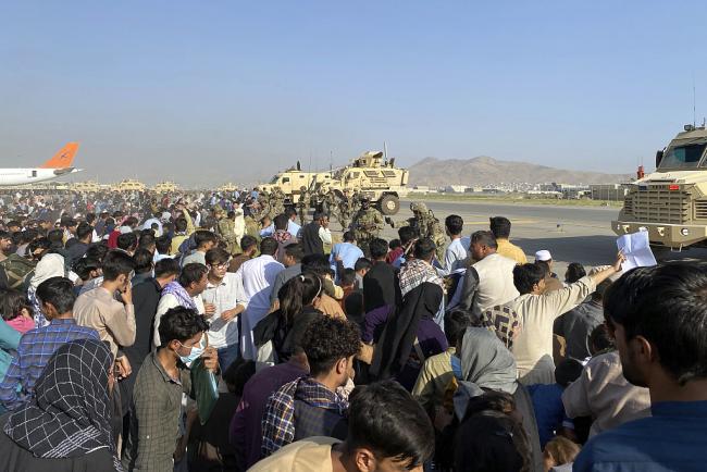 塔利班官员:阿富汗政府官员将在新政府中获得职位