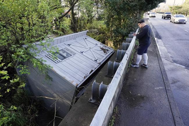 美国田纳西州遭洪水侵袭造成至少10人死亡30人失踪