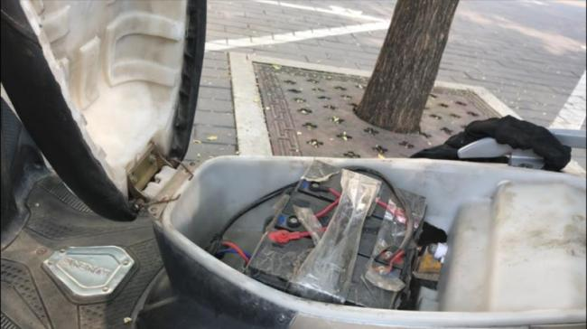 北京多家车店非法改装电动车 用超标电池 解除限速