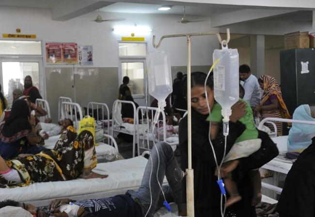印度一邦暴发霍乱疫情:约300人感染 2人死亡