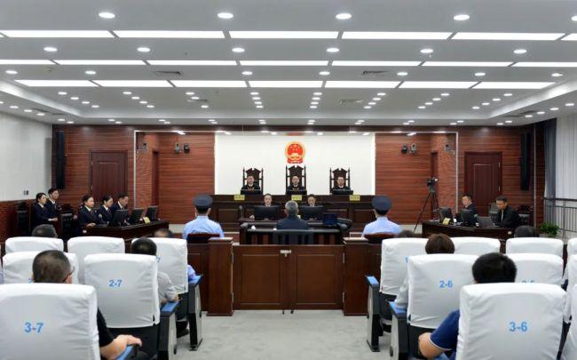 受贿7343万 上海公安局原局长龚道安一审开庭