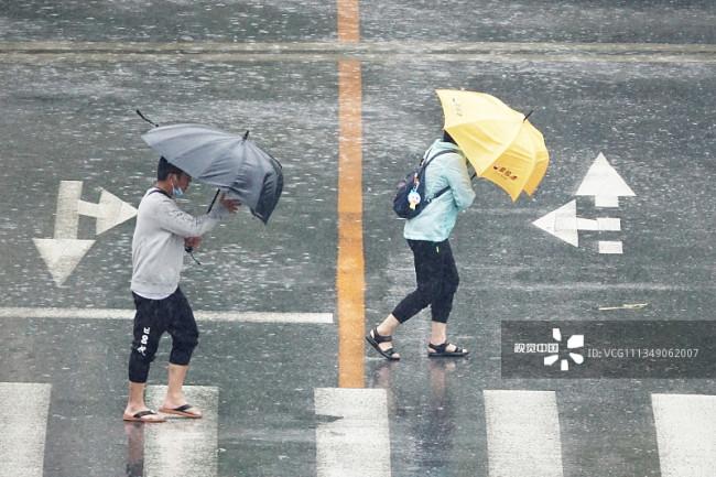 大连遭遇强风雨编辑图片素材-ID:1349062007