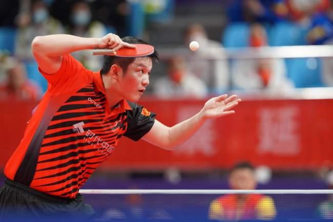 樊振东夺全运会乒乓球男单冠军 第一局打碎一颗球