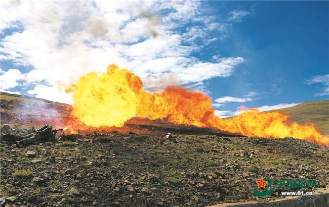 西藏军区某旅组织开展实战化演练