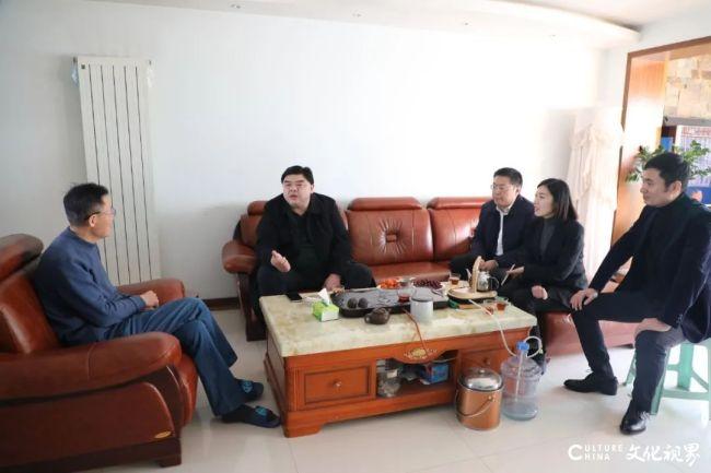 新春送温暖,山东银座汽车党委书记、董事长刘岩走访慰问离退休老干部