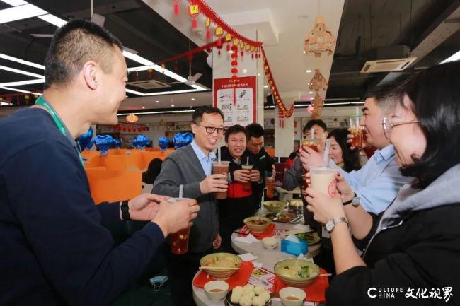 海信集团总裁贾少谦看望慰问留园过年员工,并督导消防安全检查工作