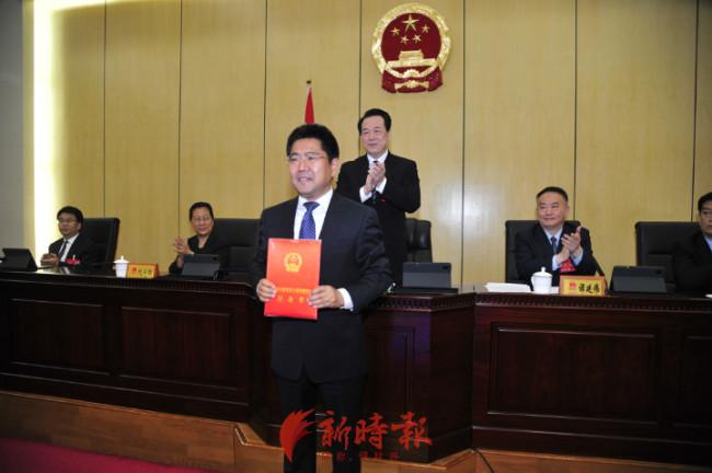 朱玉明任济南市政府办公厅主任,孙战宇任济南市商务局局长