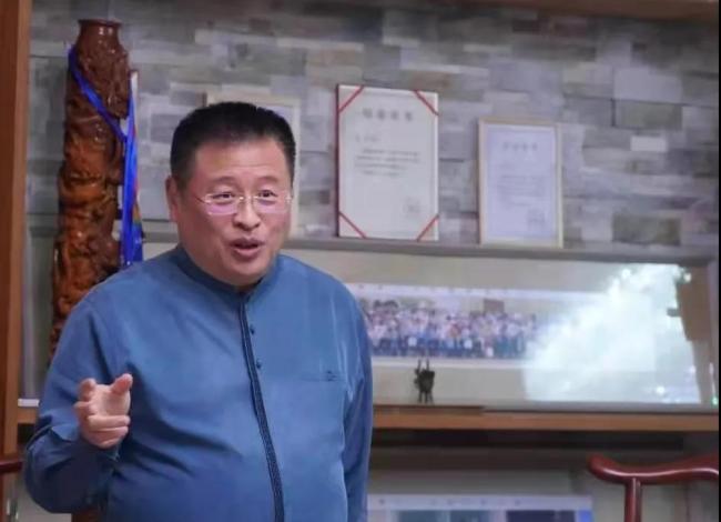 威海市中华文化促进会举办五一文化活动日,著名词作家曲波受聘为名誉主席