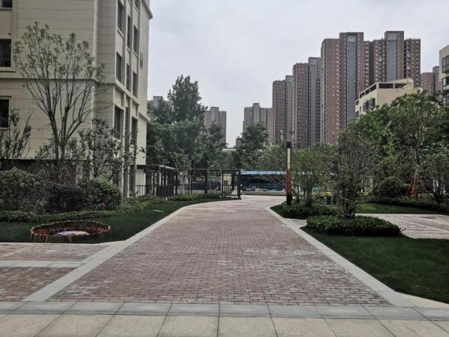 """从地面到天花板,从绿化到设计,鑫苑国际新城成业主眼中的""""渣"""""""