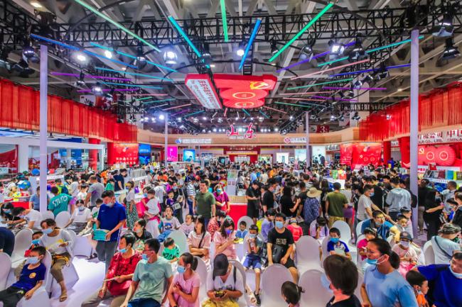 书博会周末迎客流巅峰,参展商切实感受到了泉城的热情