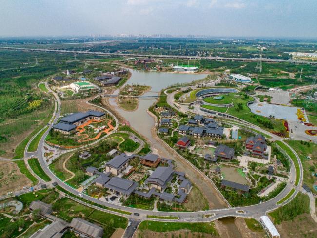 """河北雄安郊野公园开园迎客,14个城市展园""""一园一景""""诠释生态之美"""