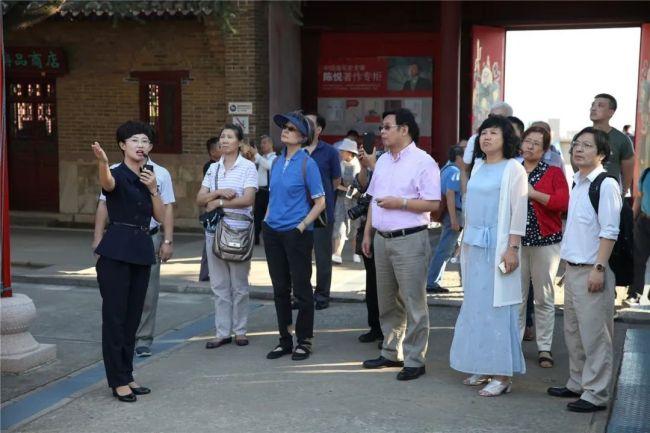 """威海刘公岛因地制宜助燃""""红色旅游"""",成为游客新的红色""""打卡地"""""""