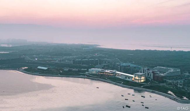 """青岛西海美术馆8月12日正式开放,14位国内外中坚艺术家作品汇聚首展""""超越"""""""
