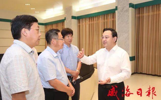 威海市委副书记、市长闫剑波走访调研假期安全保障和生产生活保供工作