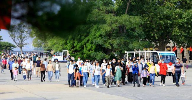 贴心服务、红色景区、精彩活动——威海刘公岛承载假期快乐记忆